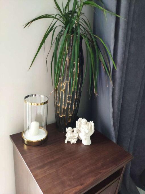 Keramikinė žvakidė su stiklu (auksas) interjere 1